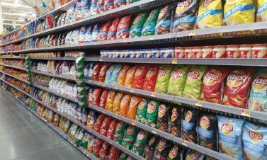Consommer trop d'aliments ultra-transformés augmente les risques de cancer !